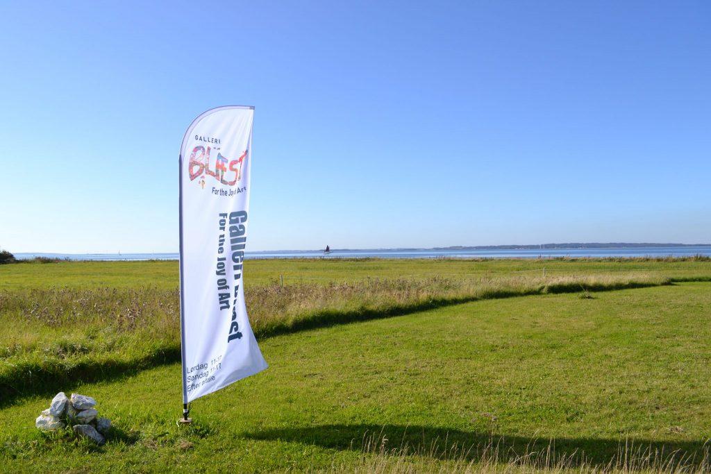 Beachflag ved Galleri Blæst i Nordjylland